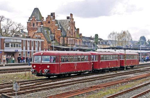 railbus in three parts vt98