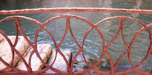 railing art metal