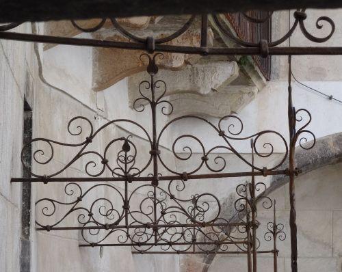 railing wrought iron curlicue