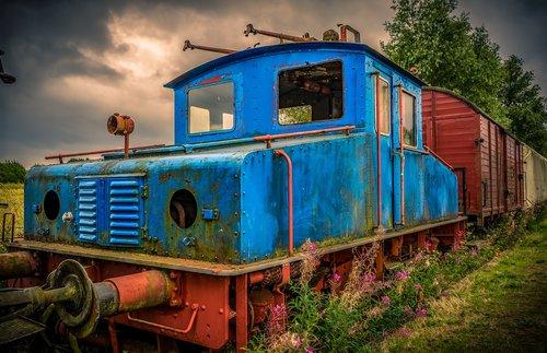 railway  tractor  lock