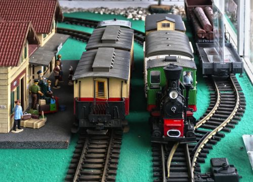 railway station model railway platform