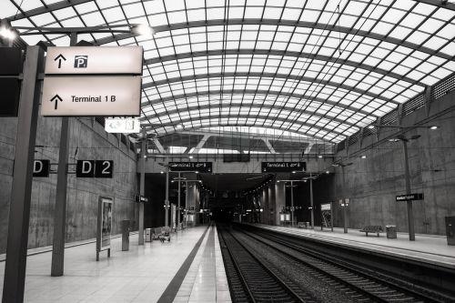 railway station airport platform