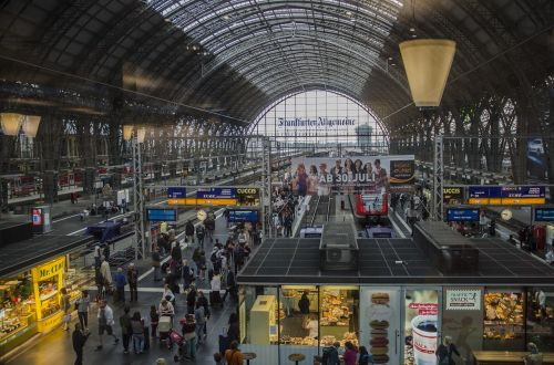 railway station frankfurt main platform