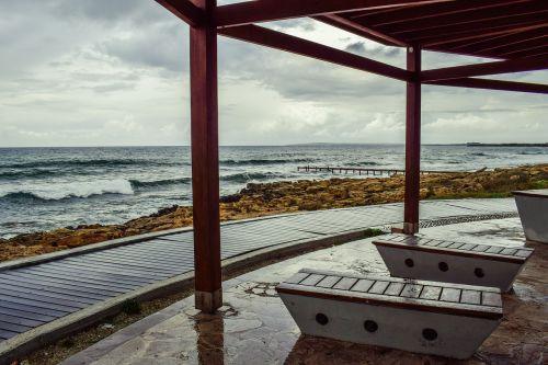 rainy day kiosk bench