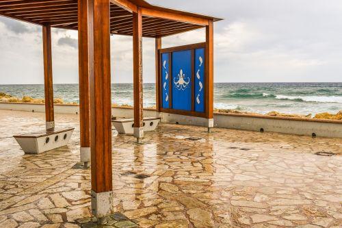 lietinga diena,kioskas,stendas,architektūra,papludimys,jūra,bangos,Debesuota,uostas,ayia napa,Kipras