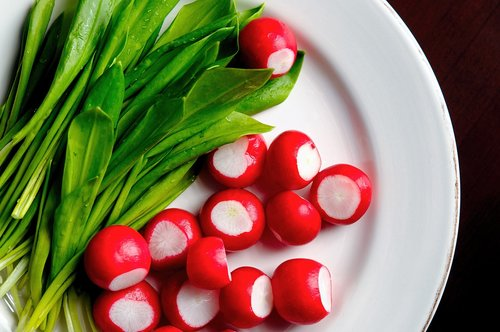 ramsons  radishes  red