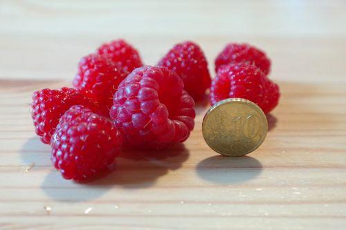 raspberries large huge