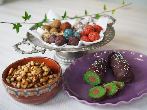 raw balls christmas candy marzipan