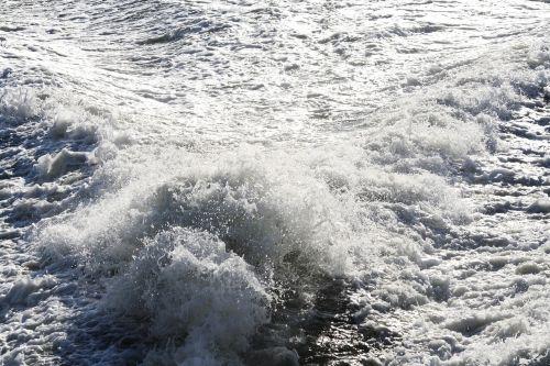 rear wake river