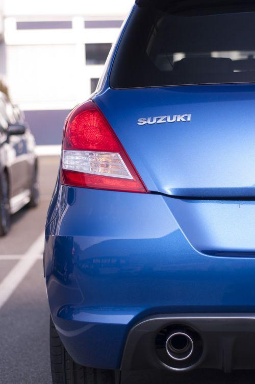 rear auto suzuki
