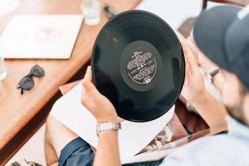 record vinyl vinyl record