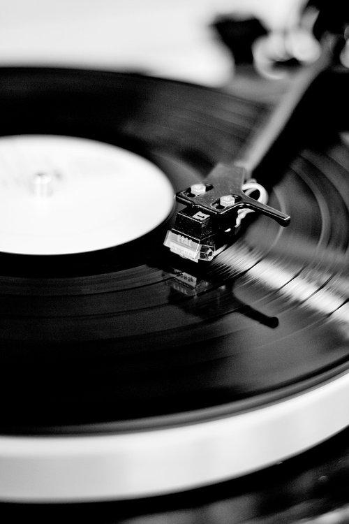 record  vinyl  turntable