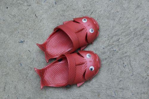 red footgear baby