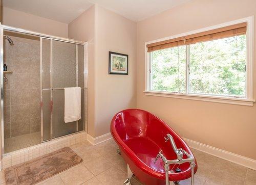 red  bathtub  bathroom