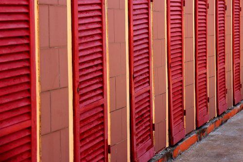 red strandbad cabins