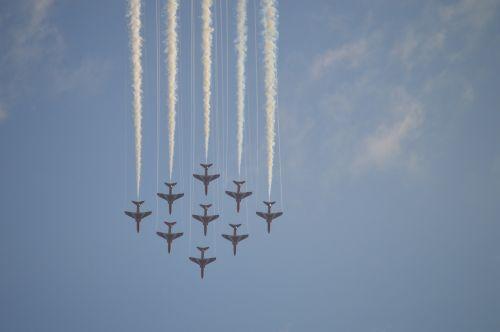 red arrows smoke trails jet