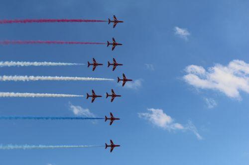 red arrows flight airplane