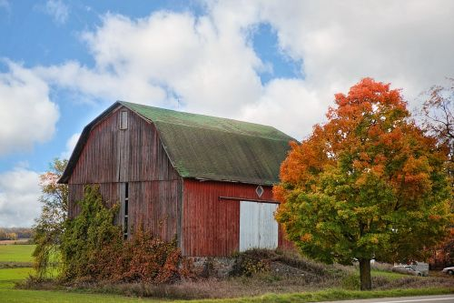 red barn autumn fall
