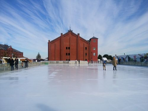 red brick warehouse skate contrail