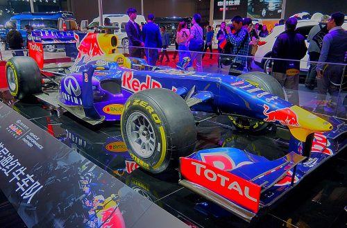 red bull formula 1 racing car