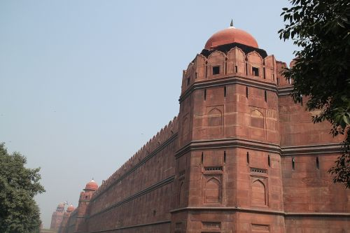 red fort new delhi moghul fort wall
