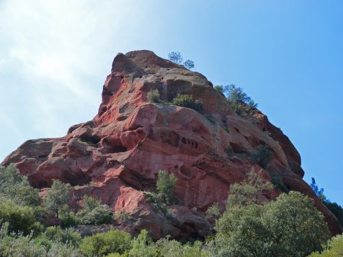 red rock red stoneware mountain