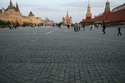 red square kremlin wall red