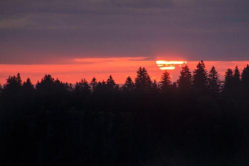 red sun large sun sunrise