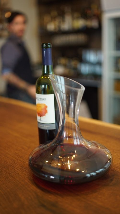 red wine wine decanter