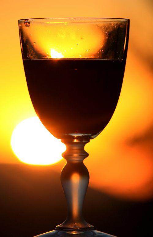 red wine glass wine