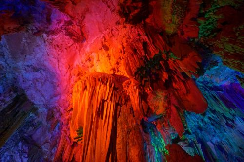 reed flute cave guilin stalactite