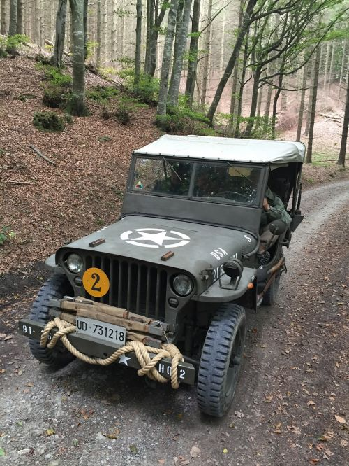 reenactment military vehicles second war