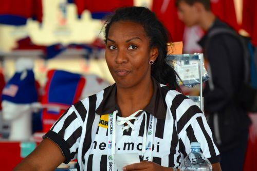 referee the cashier