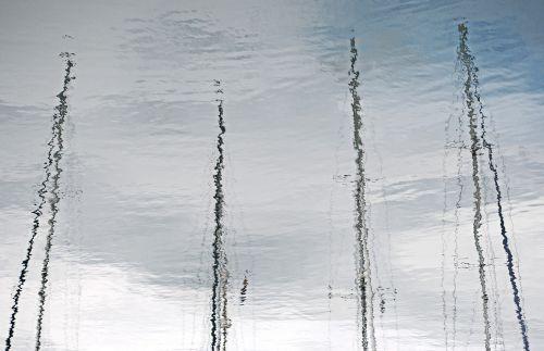reflection mast water