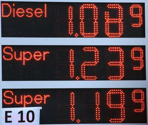 refuel petrol stations ad