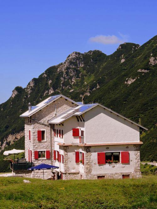 refuge mountain prato