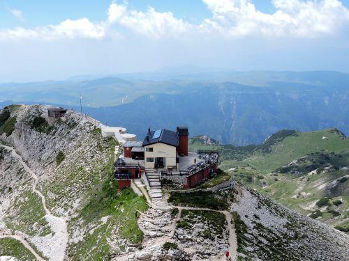 refuge mountain hiking