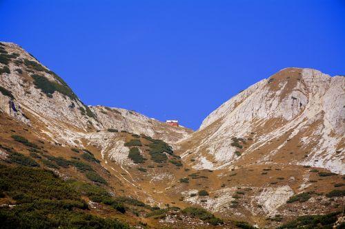 refuge mountain fraccaroli