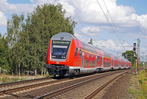 regional-express doppelstockzug deutsche bahn