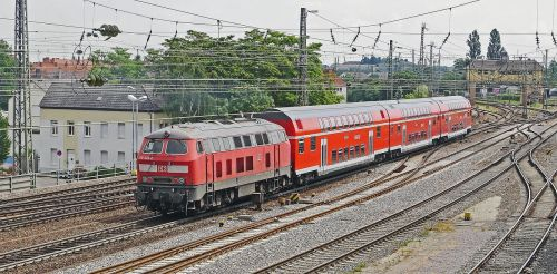 regional-express doppelstockzug lokbespannt