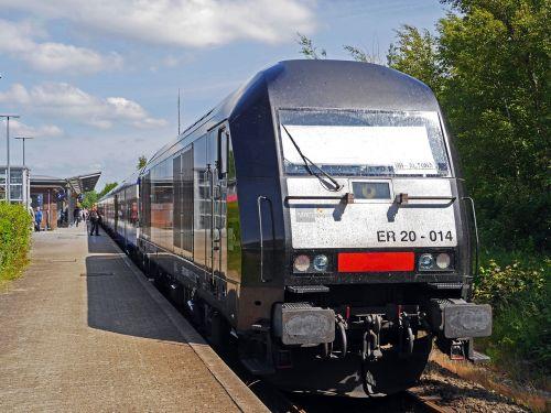 regional train hamburg-altona train station husum