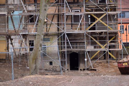 rehabilitation old building scaffold