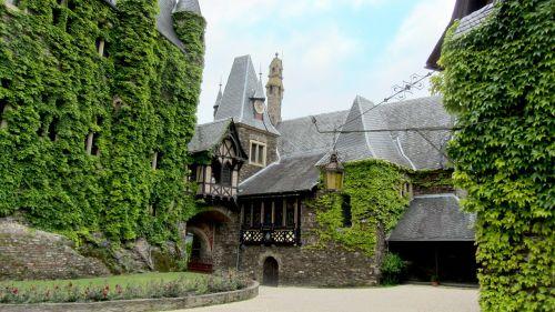 reichsburg cochem castle architecture