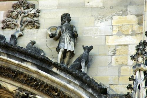 reims cathedral sculpture