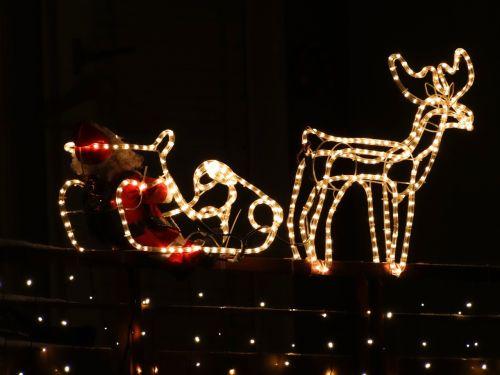 reindeer nicholas santa