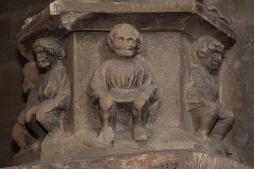relief pillar gothic