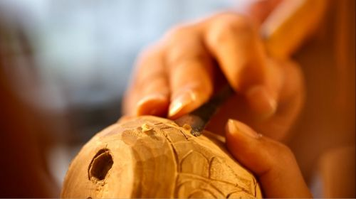 relief carving camphor wood carving