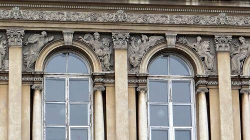 relief architecture warsaw