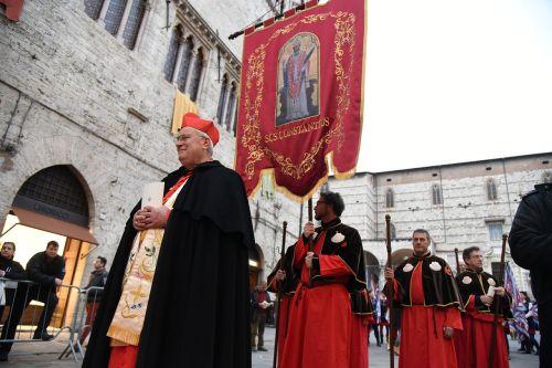 religious procession cardinal bassetti religion