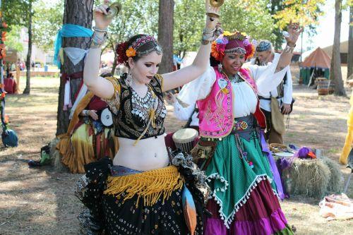 dancers gypsies belly dance